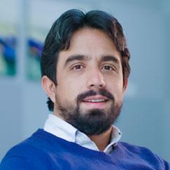 Doctor-Oscar-Andrés-Correa-Rico-Clinica-Pinares